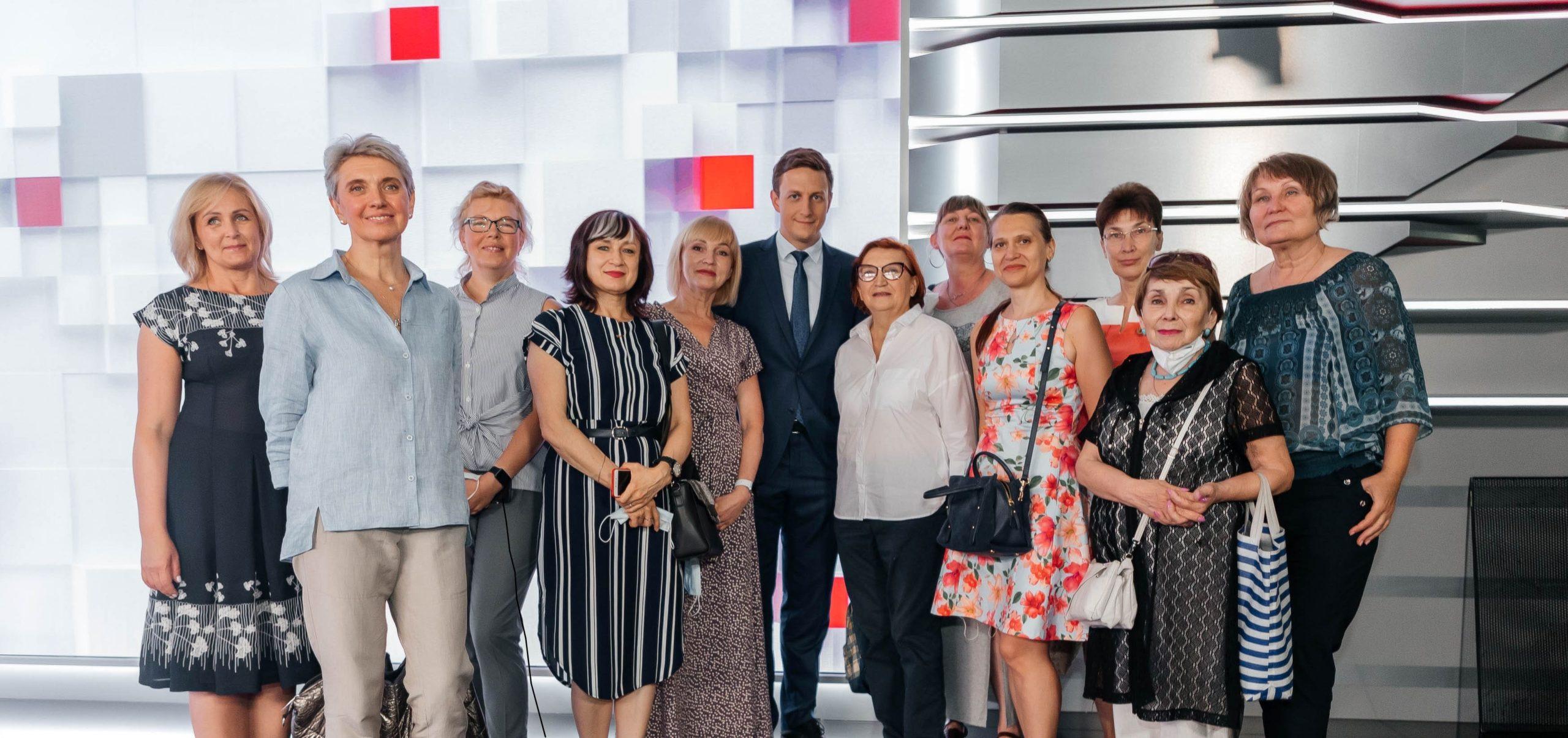 В 1+1 media стартував другий сезон програми стажування для кандидатів старшого віку